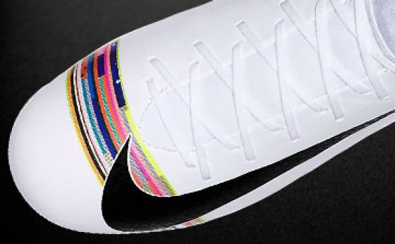 Chuteiras Nike CR7 Branco / Preto