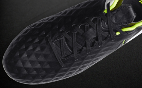 Chuteiras Nike Tiempo Preto / Branco